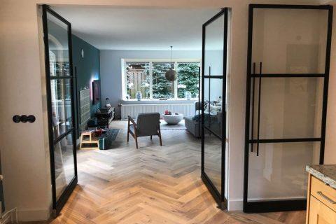 Meer licht in de woonkamer met een stalen binnendeur - Woonkrant ...
