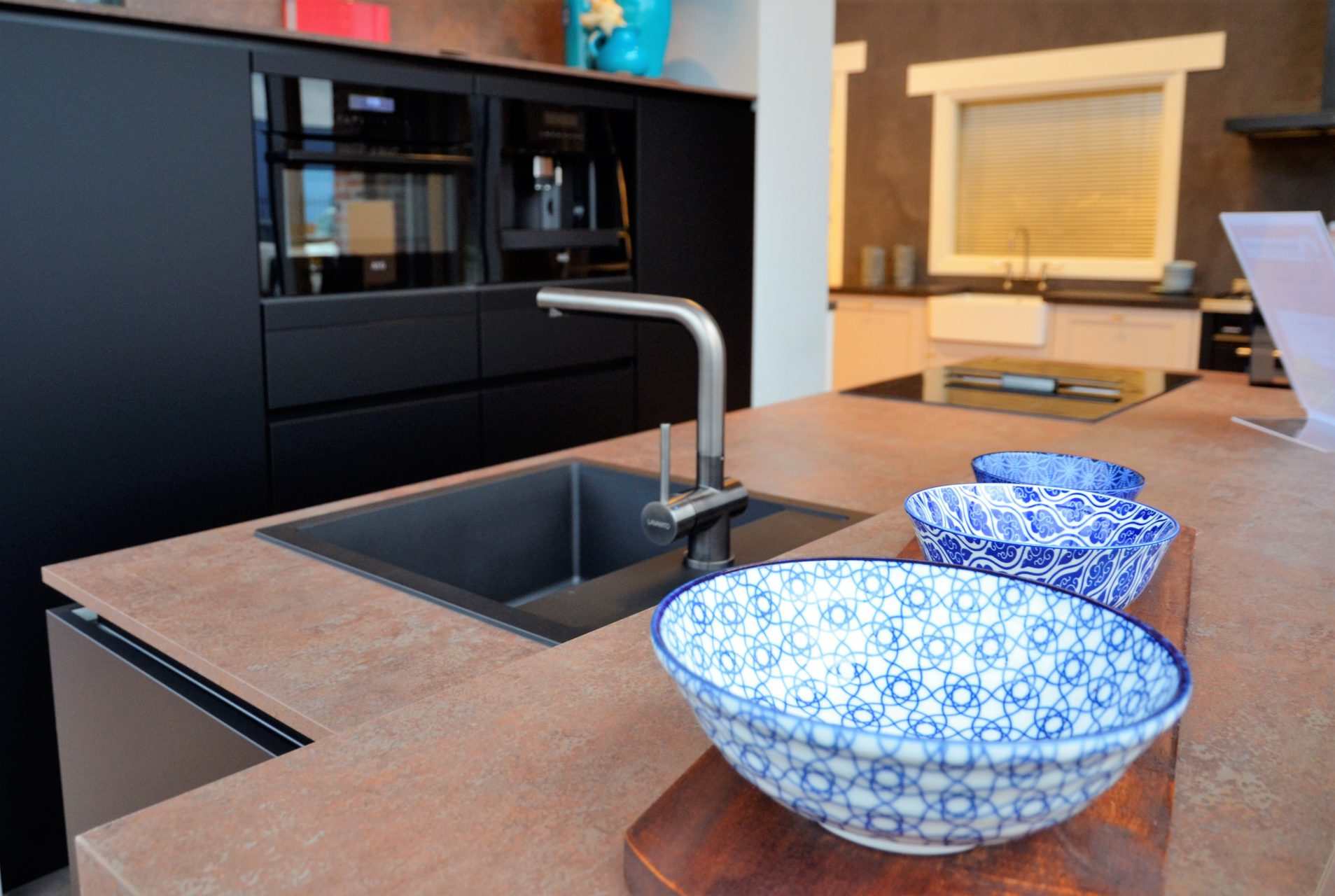 Badkamer Showroom Nijkerk : Sanisale en keukensale meest uitgebreide showroom van nijkerk